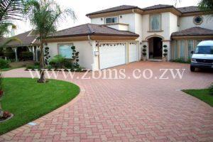 interlocking pavers driveway